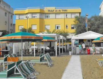 Beach with us affiliated in the lido in front of the Hotel where the 10% discount is applied for our customers (on sunbed, umbrella, deckchair etc.). Free beach entrance and use changing cabins.